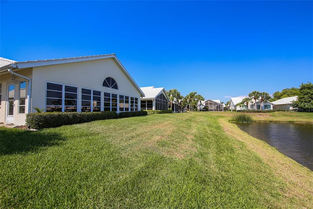 Rear - Single Family Home for sale at 1806 Ashley Dr, Venice, FL 34292 - MLS Number is D5918442