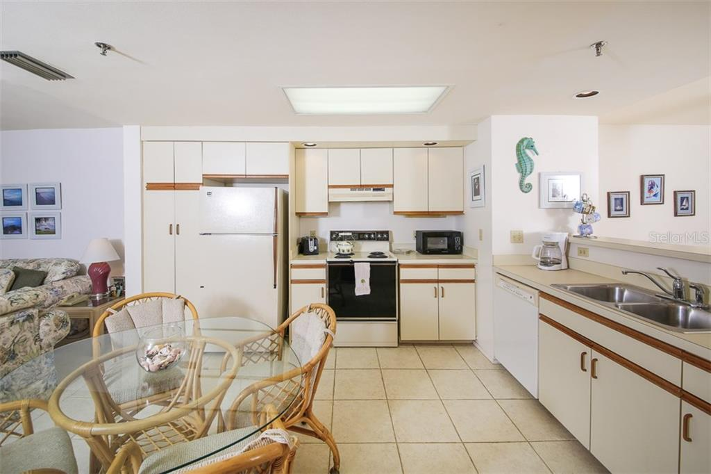 Eat in Kitchen - Condo for sale at 9200 Little Gasparilla Is #203, Placida, FL 33946 - MLS Number is D5920072