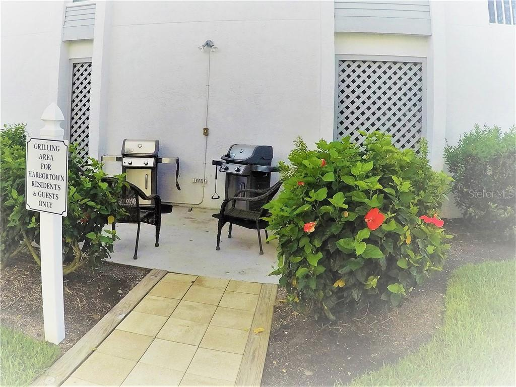 community grill area - Condo for sale at 7070 Placida Rd #1121, Placida, FL 33946 - MLS Number is D6100747