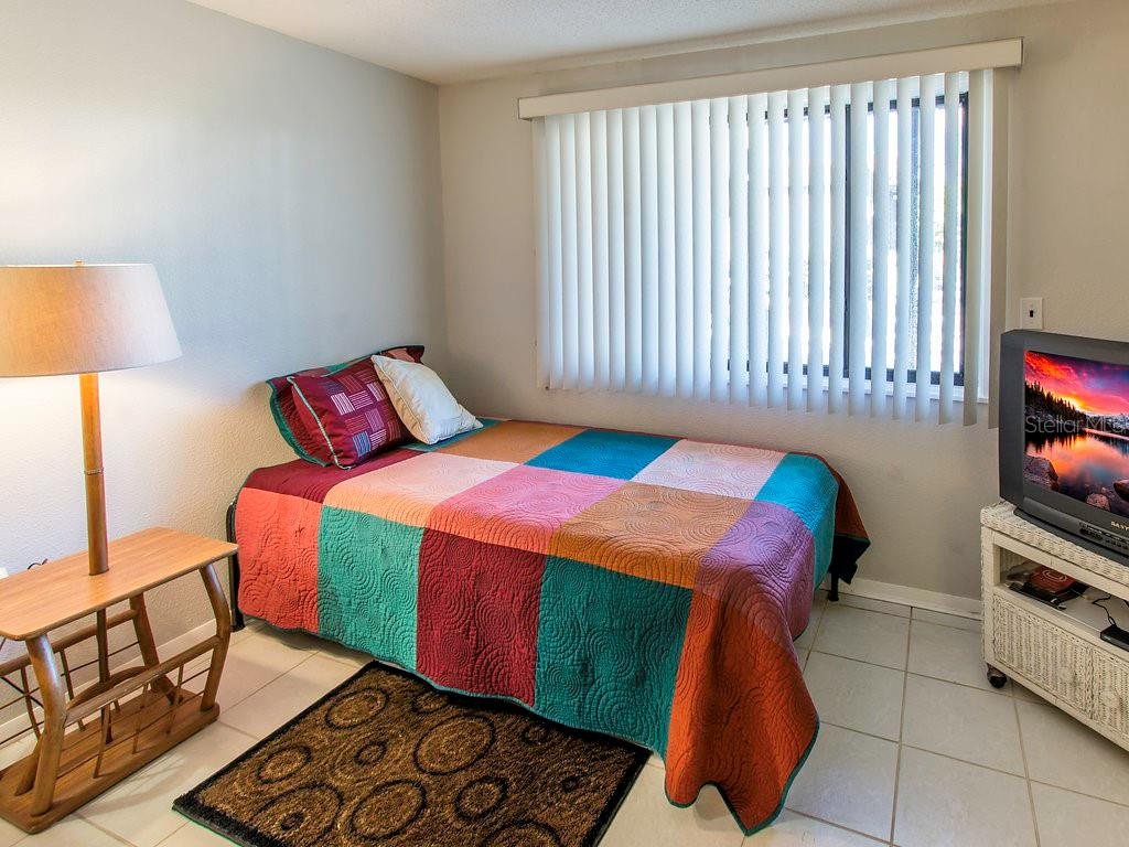 Extra sleeping if desired OR extra space for desk, crafts, sewing etc! - Condo for sale at 2980 N Beach Rd #c2-4, Englewood, FL 34223 - MLS Number is D6101944