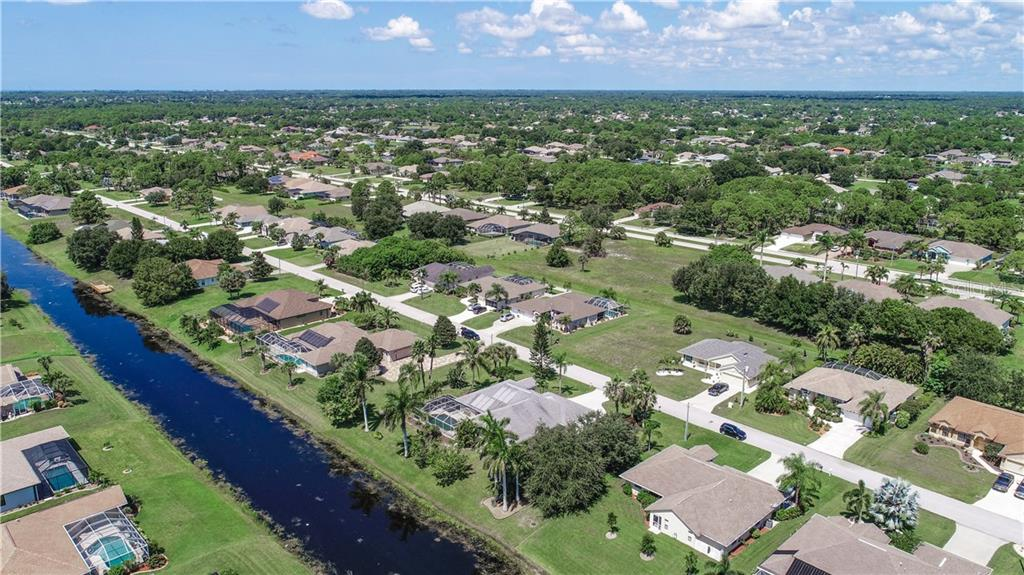 Single Family Home for sale at 42 White Marsh Ln, Rotonda West, FL 33947 - MLS Number is D6102482
