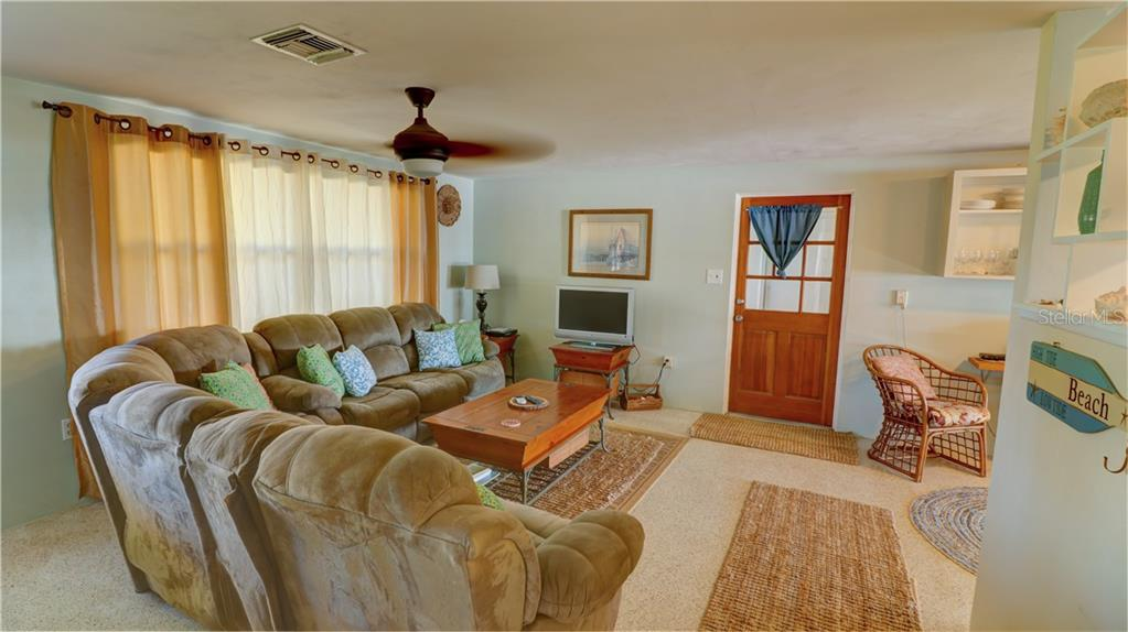 Single Family Home for sale at 1095 Gulf Blvd, Englewood, FL 34223 - MLS Number is D6102653