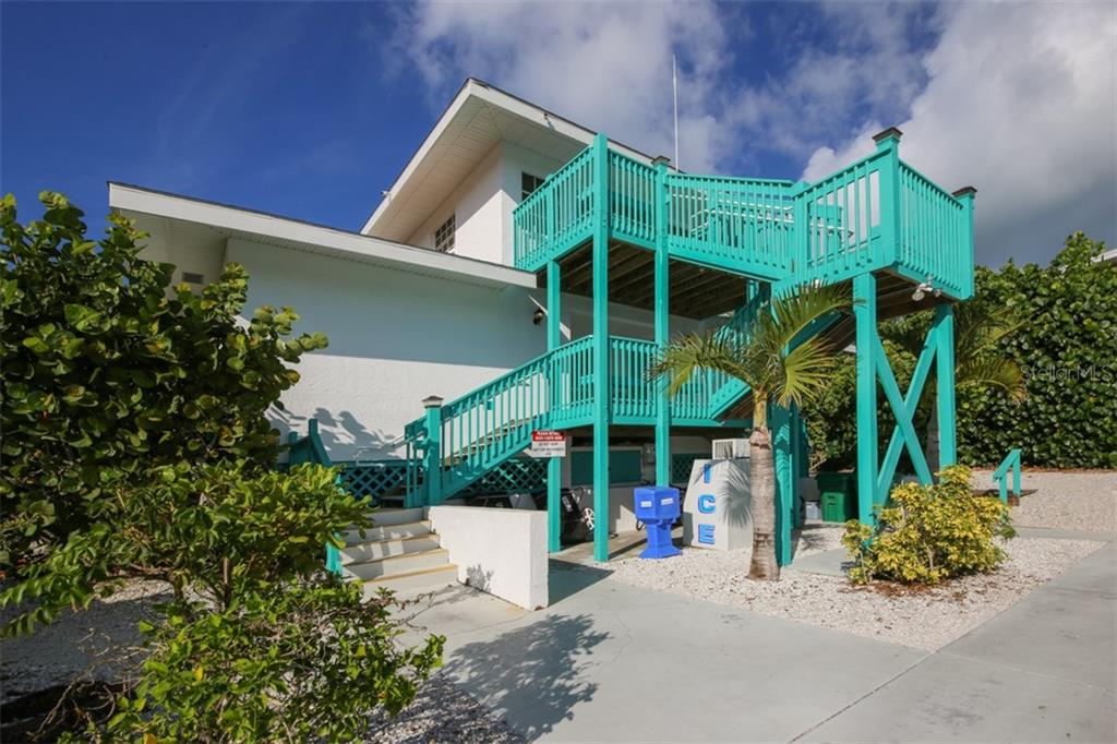 Dock master house and marina facilities - Single Family Home for sale at 5820 Gasparilla Rd #slip 34, Boca Grande, FL 33921 - MLS Number is D6106900