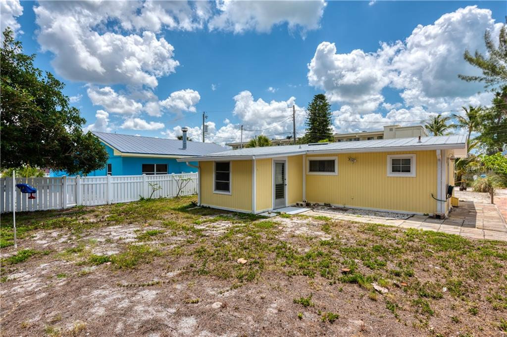 Single Family Home for sale at 30 Sand Dollar Ln, Englewood, FL 34223 - MLS Number is D6106925