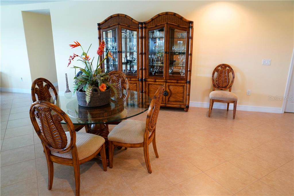 dining room - Condo for sale at 2245 N Beach Rd #304, Englewood, FL 34223 - MLS Number is D6112346