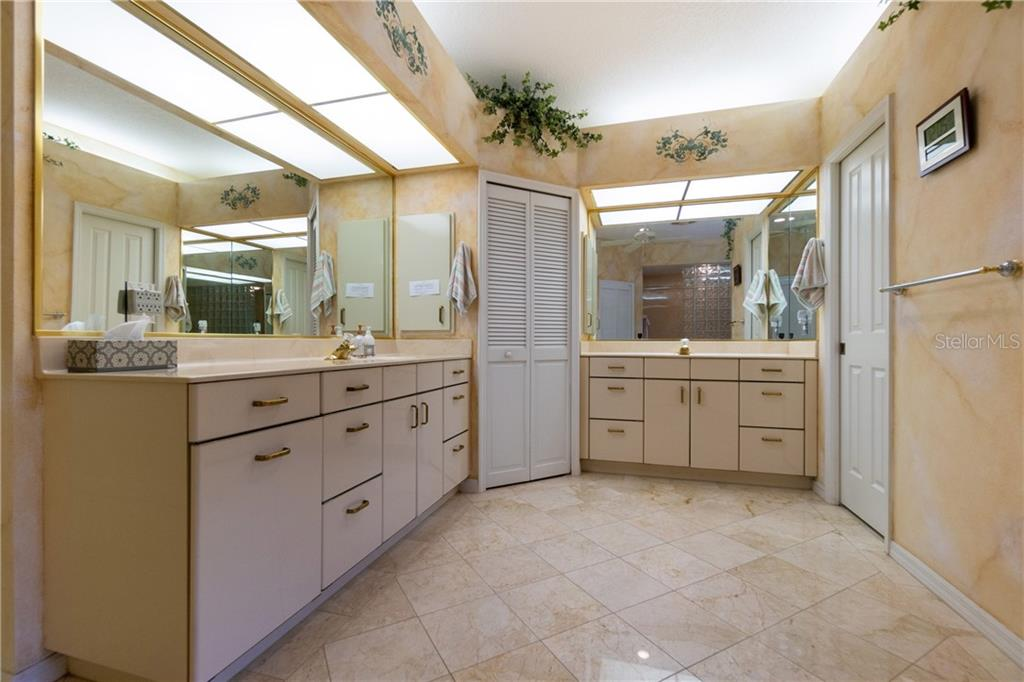 Dual vanities have  plenty of storage ! - Single Family Home for sale at 280 Capstan Dr, Placida, FL 33946 - MLS Number is D6113118