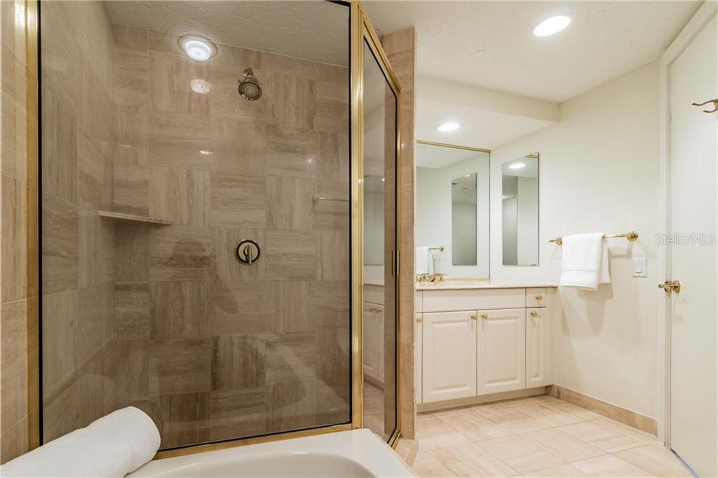 HALL BATH - Condo for sale at 1281 Gulf Of Mexico Dr #304, Longboat Key, FL 34228 - MLS Number is T3121789