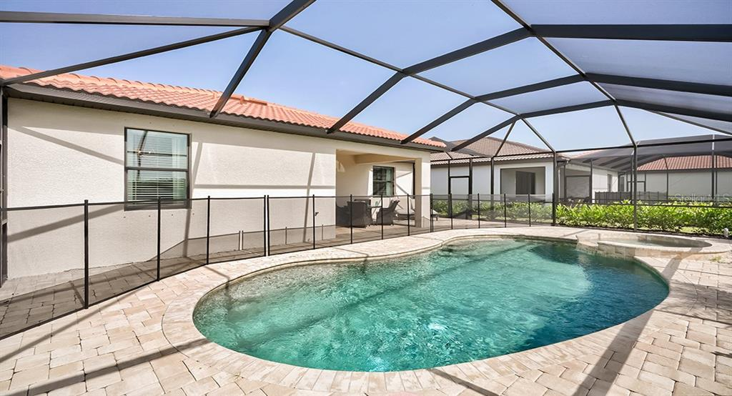 Single Family Home for sale at 10185 Colubrina Dr, Venice, FL 34293 - MLS Number is T3267167
