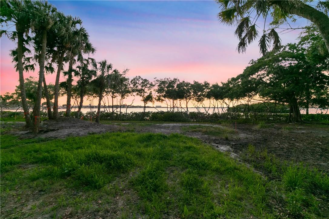 Vacant Land for sale at 3306 Old Oak Dr, Sarasota, FL 34239 - MLS Number is O5911984