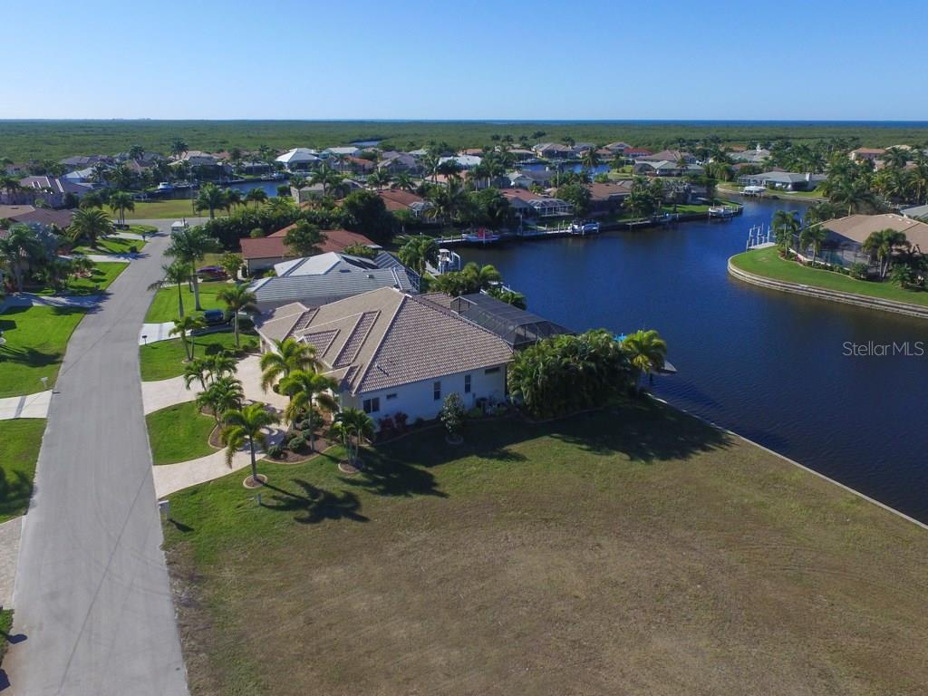 4019 Maltese Ct, Punta Gorda, FL 33950 - photo 6 of 10