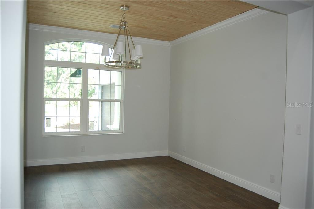 DINNING ROOM - Single Family Home for sale at 6030 Hollywood Blvd, Sarasota, FL 34231 - MLS Number is C7235083