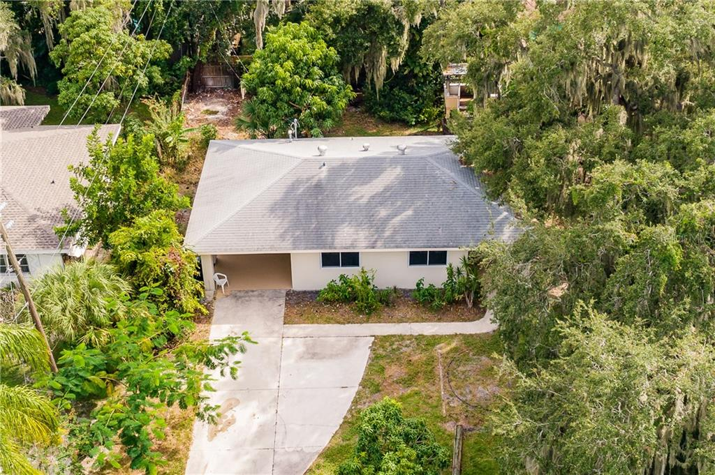 Single Family Home for sale at 1048 22nd St, Sarasota, FL 34234 - MLS Number is C7434058