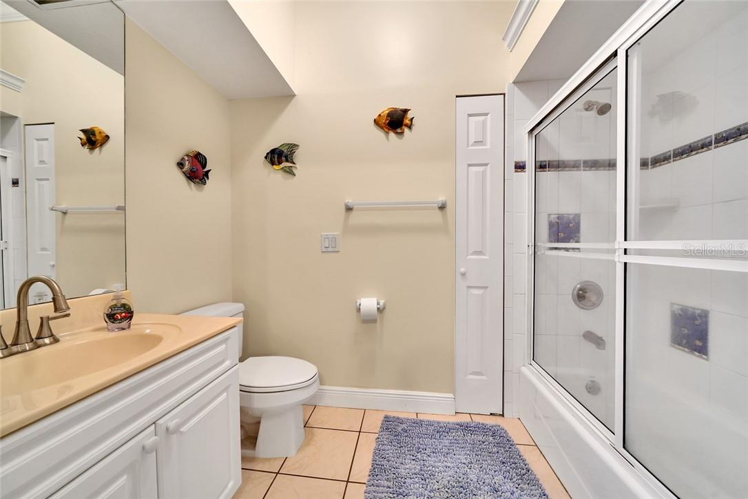 2nd Guest bedroom private bathroom - Single Family Home for sale at 10230 Sw County Road 769, Arcadia, FL 34269 - MLS Number is C7437596