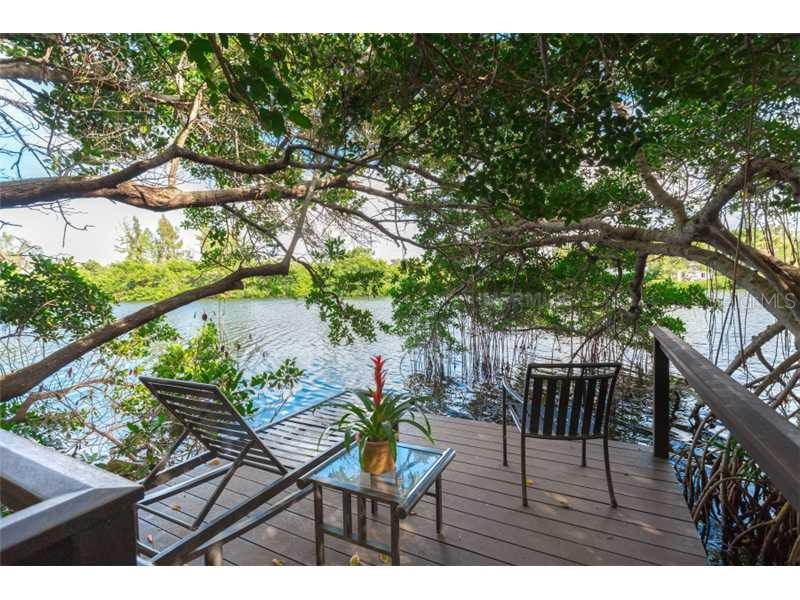 Additional photo for property listing at 7858 Sanderling Rd  Sarasota, Florida,34242 États-Unis