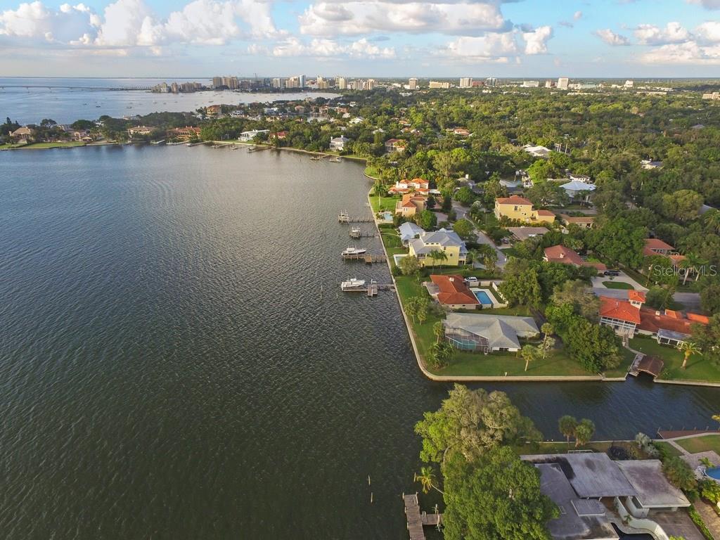 1502 Sandpiper Ln, Sarasota, FL 34239 - photo 6 of 15