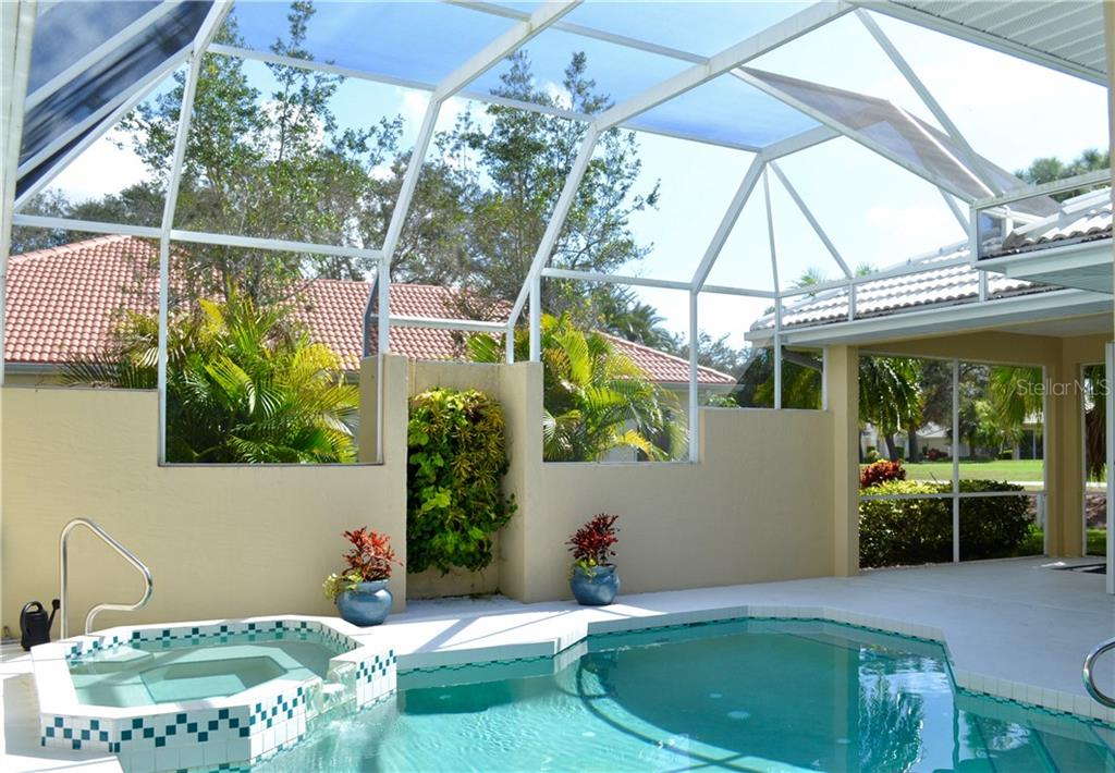 Single Family Home for sale at 259 Royal Oak Way, Venice, FL 34292 - MLS Number is A4154767