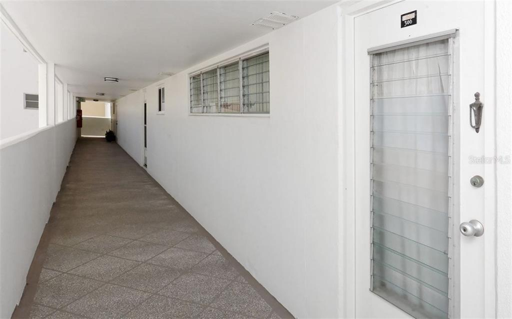 Condo for sale at 33 S Gulfstream Ave #306, Sarasota, FL 34236 - MLS Number is A4160922