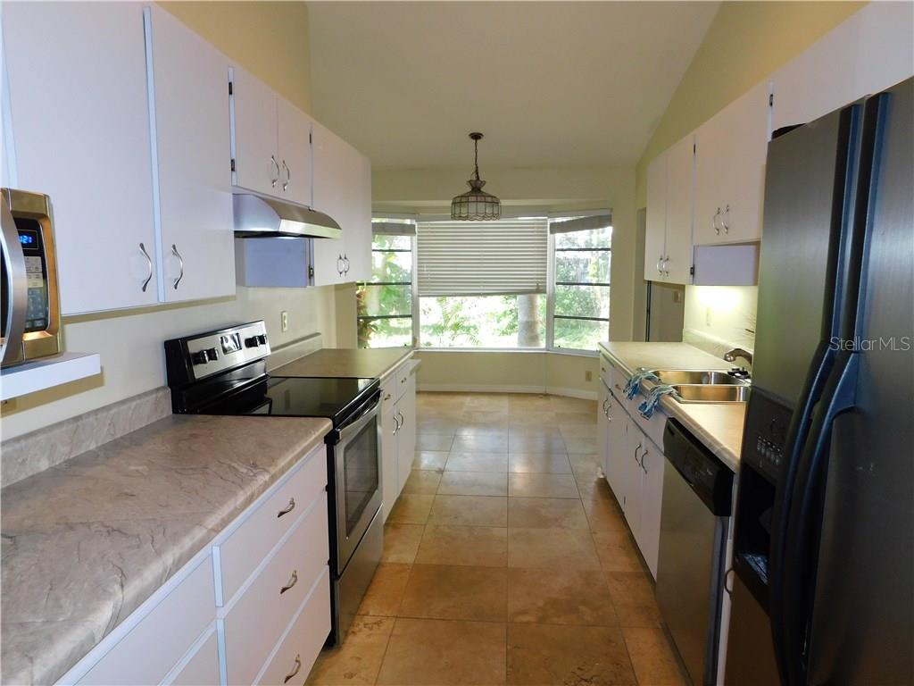 Single Family Home for sale at 6920 Arbor Oaks Cir, Bradenton, FL 34209 - MLS Number is A4165595
