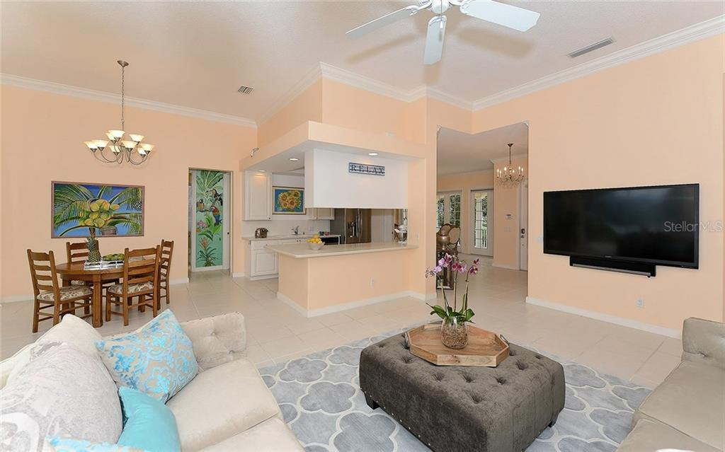 Single Family Home for sale at 5812 Valente Pl, Sarasota, FL 34238 - MLS Number is A4166306
