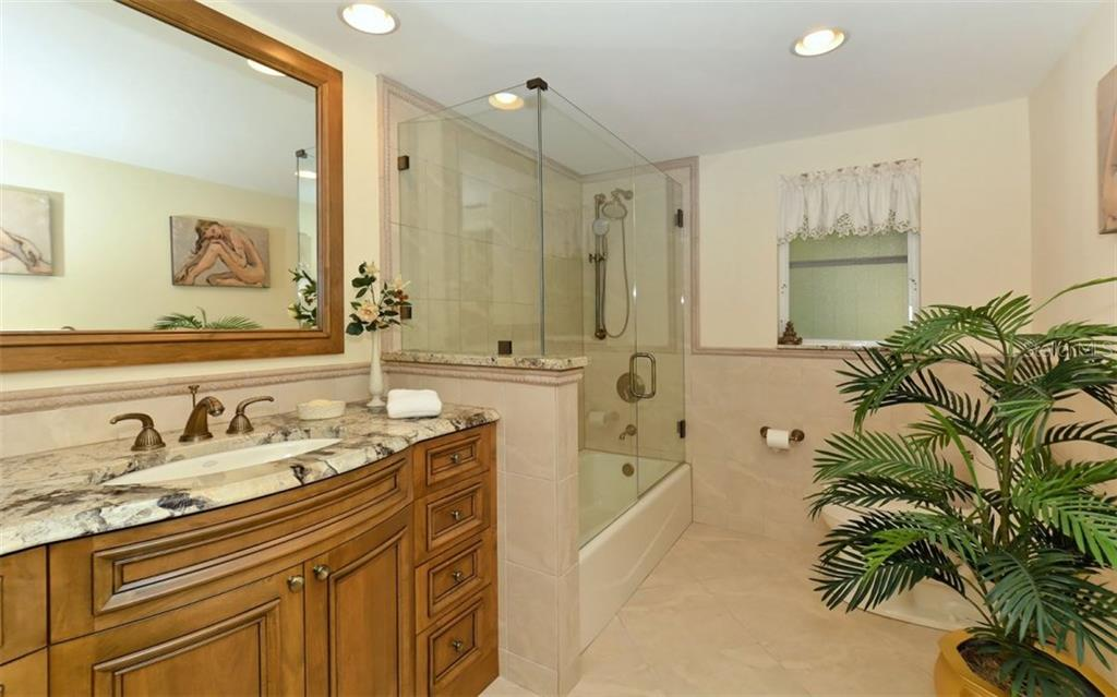 Single Family Home for sale at 501 Juan Anasco Dr, Longboat Key, FL 34228 - MLS Number is A4169173