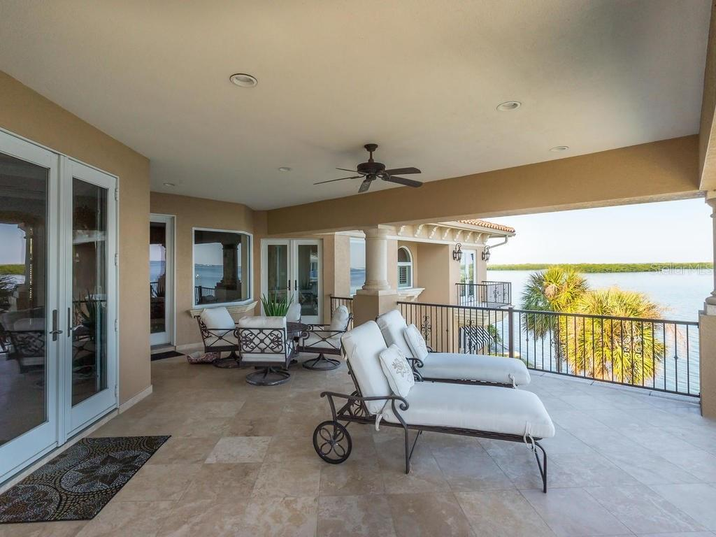 Single Family Home for sale at 640 Rountree Dr, Longboat Key, FL 34228 - MLS Number is A4169177