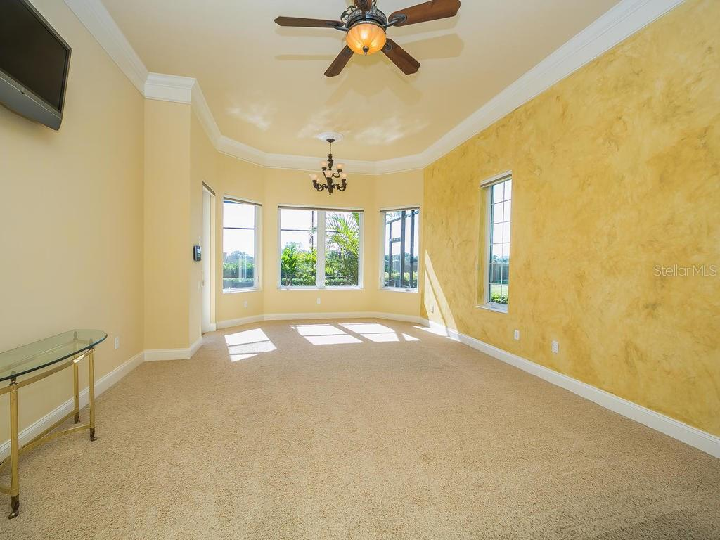 Single Family Home for sale at 5304 Hunt Club Way, Sarasota, FL 34238 - MLS Number is A4169187