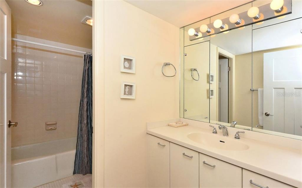 Master Bathroom - Condo for sale at 1701 Gulf Of Mexico Dr #505, Longboat Key, FL 34228 - MLS Number is A4170632