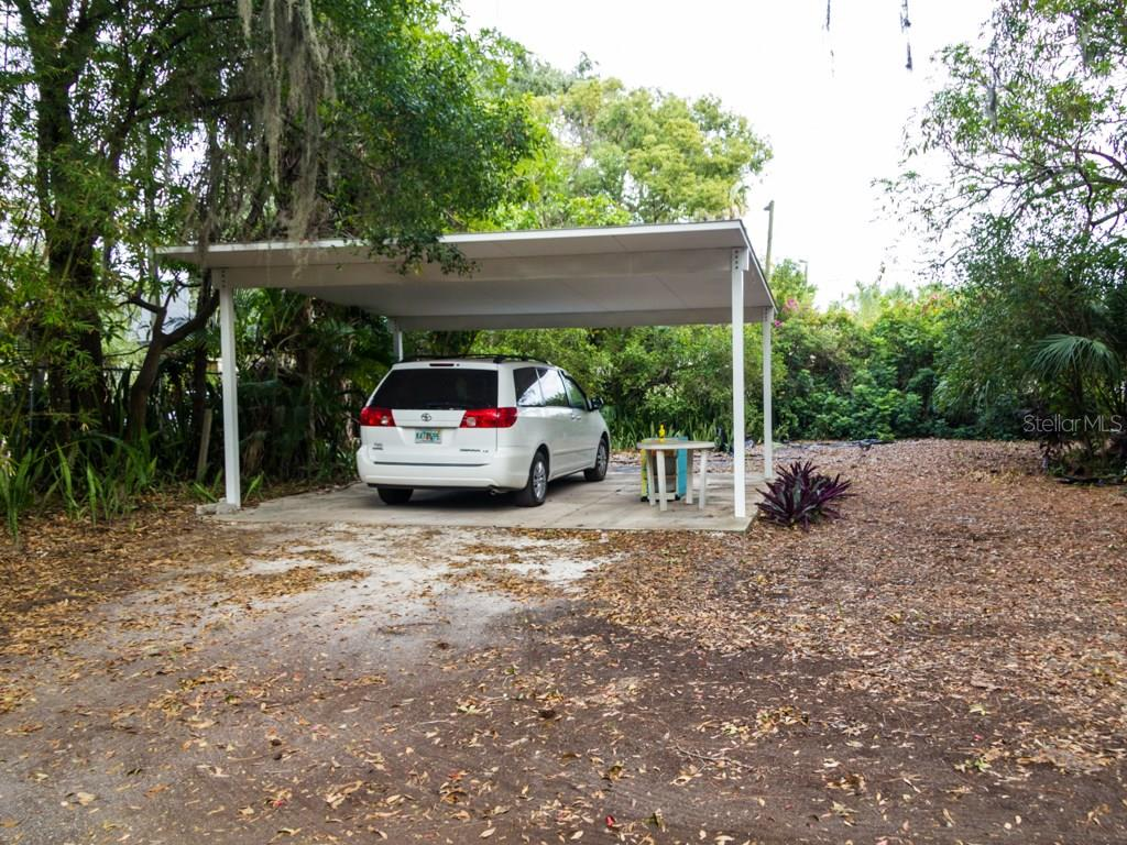 Single Family Home for sale at 923 13th St W, Bradenton, FL 34205 - MLS Number is A4171035