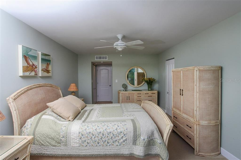 First floor bedroom en suite - Condo for sale at 4900 Ocean Blvd #503, Sarasota, FL 34242 - MLS Number is A4171070