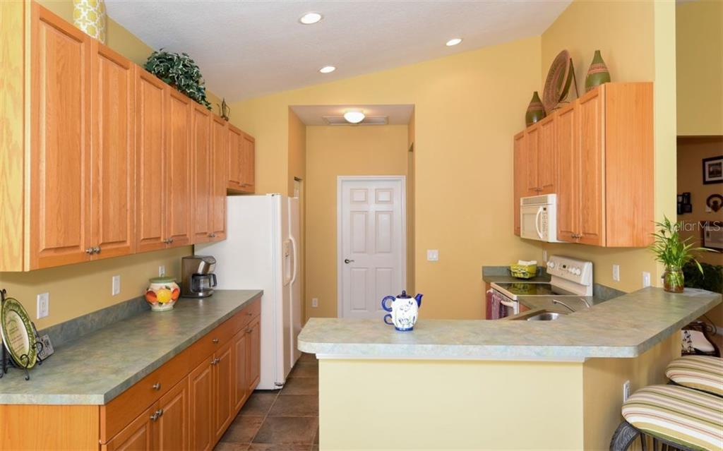 Kitchen - Single Family Home for sale at 6531 38th Ln E, Sarasota, FL 34243 - MLS Number is A4174191