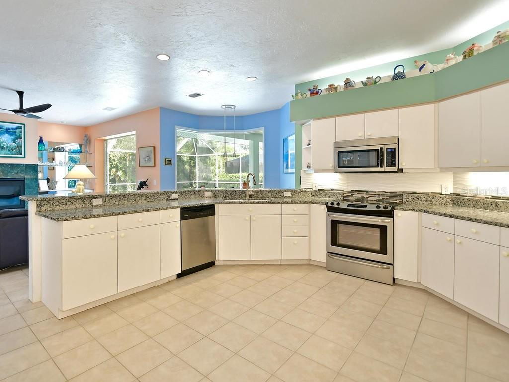 Single Family Home for sale at 7404 Links Ct, Sarasota, FL 34243 - MLS Number is A4178301