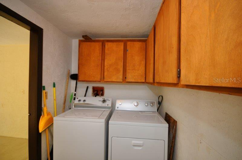 Laundry room - Condo for sale at 2215 Circlewood Dr #46, Sarasota, FL 34231 - MLS Number is A4180138