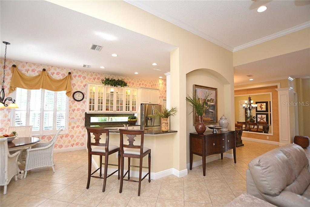 Kitchen Living Area - Single Family Home for sale at 12330 Thornhill Ct, Lakewood Ranch, FL 34202 - MLS Number is A4183351