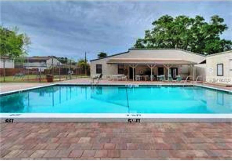 Townhouse for sale at 1011 Longfellow Cir, Sarasota, FL 34243 - MLS Number is A4183552