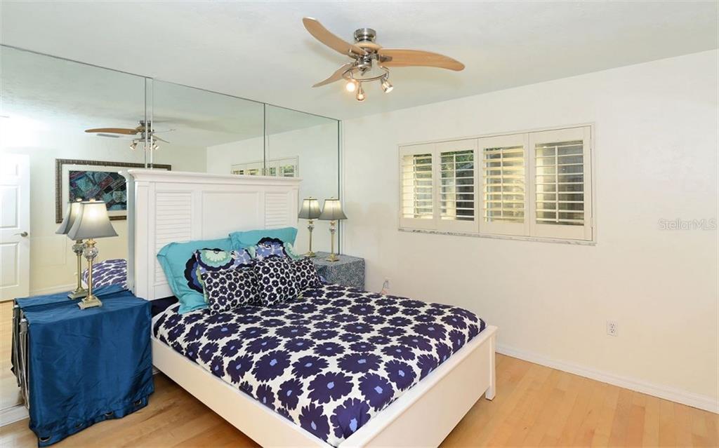 Additional photo for property listing at 1525 Eastbrook Dr  Sarasota, Florida,34231 United States