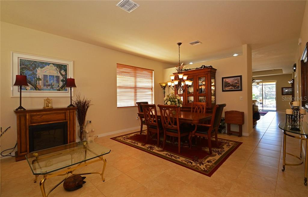 Dining Room - Single Family Home for sale at 9006 Heritage Sound Dr, Bradenton, FL 34212 - MLS Number is A4183771