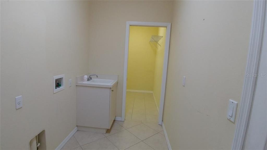 Inside Laundry - Single Family Home for sale at 7111 Sandhills Pl, Lakewood Ranch, FL 34202 - MLS Number is A4185112