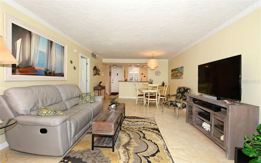 Condo for sale at 605 Sutton Pl #105, Longboat Key, FL 34228 - MLS Number is A4186767