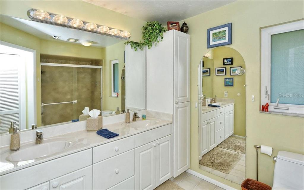 Master bath. - Single Family Home for sale at 465 E Royal Flamingo Dr, Sarasota, FL 34236 - MLS Number is A4187554