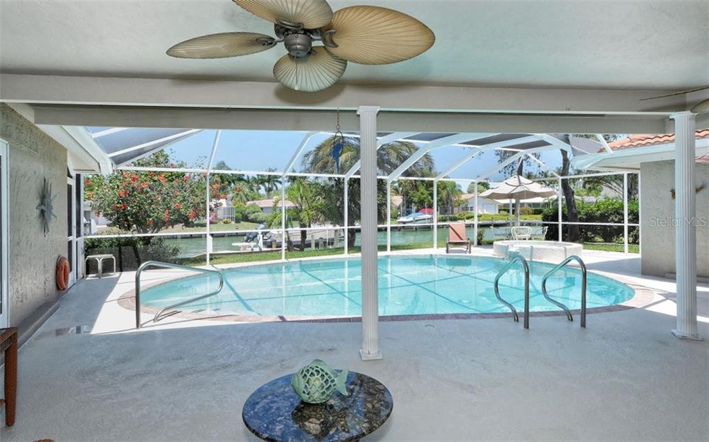 Pool & lanai - Single Family Home for sale at 465 E Royal Flamingo Dr, Sarasota, FL 34236 - MLS Number is A4187554