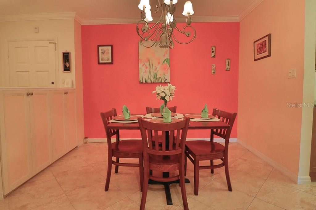 Dining area. - Condo for sale at 225 Hourglass Way #204sun, Sarasota, FL 34242 - MLS Number is A4187852