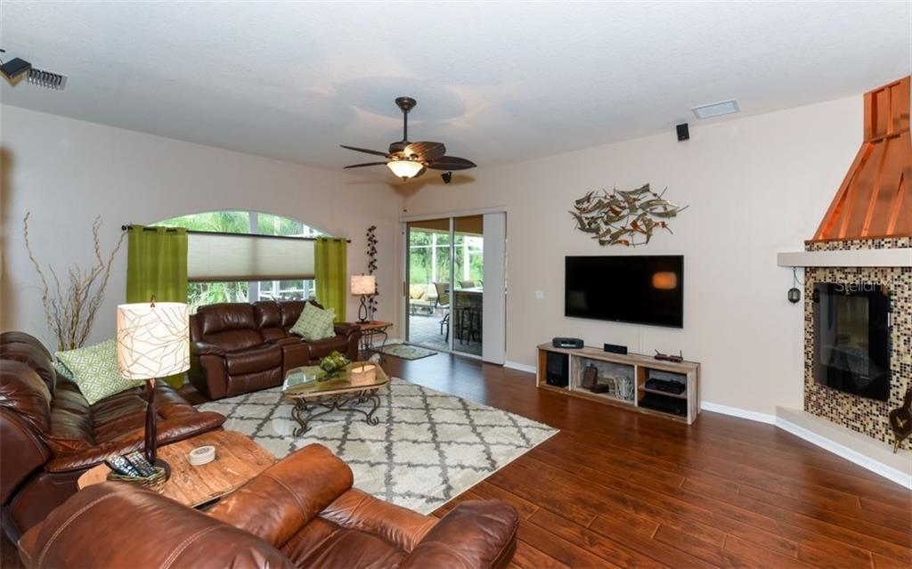 Single Family Home for sale at 4532 Useppa Dr, Bradenton, FL 34203 - MLS Number is A4189338