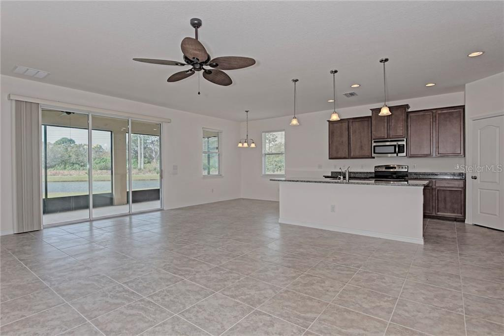 Single Family Home for sale at 7364 47th Avenue Cir E, Bradenton, FL 34203 - MLS Number is A4192743