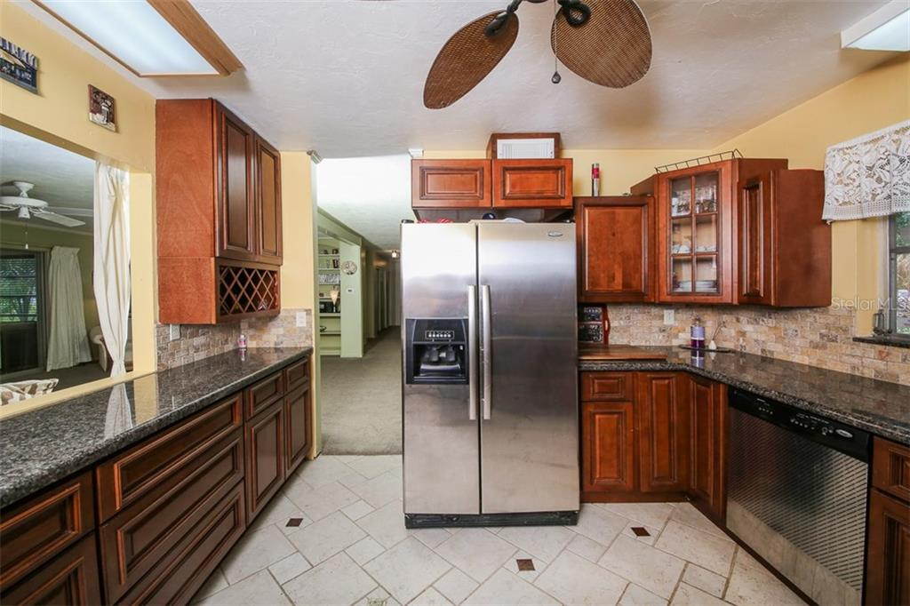 Single Family Home for sale at 614 Buttonwood Dr, Longboat Key, FL 34228 - MLS Number is A4193139