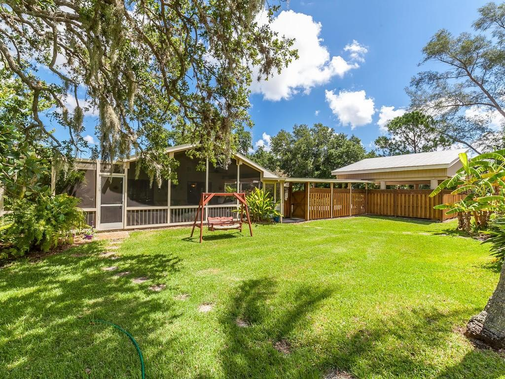 Single Family Home for sale at 9009 9th Ave Nw, Bradenton, FL 34209 - MLS Number is A4193639