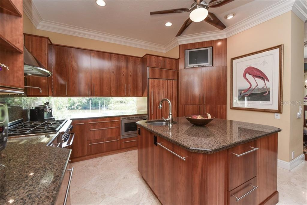 Single Family Home for sale at 1640 Hudson Pointe Dr, Sarasota, FL 34236 - MLS Number is A4193645