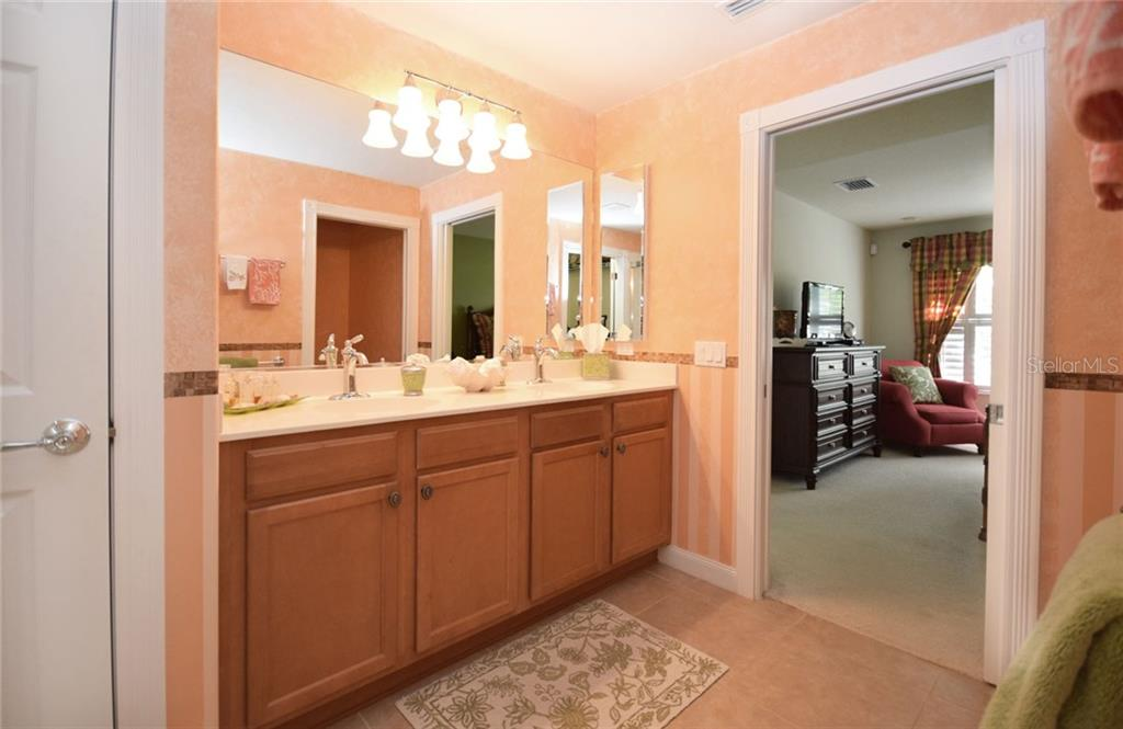 Double sinks in the Master ensuite Bath - Villa for sale at 2127 Burgos Dr, Sarasota, FL 34238 - MLS Number is A4195921