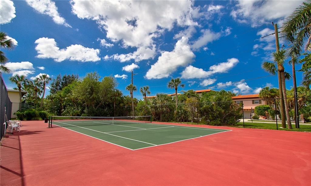 Community Tennis Courts - Condo for sale at 600 Manatee Ave #236, Holmes Beach, FL 34217 - MLS Number is A4197636
