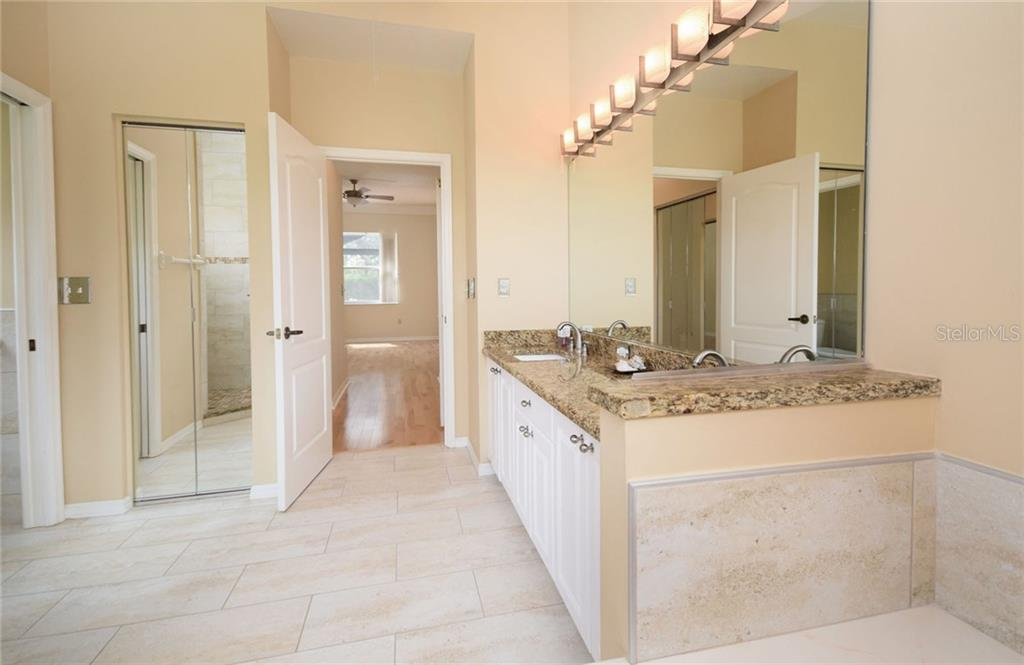 Master Bath - Single Family Home for sale at 9520 Hawksmoor Ln, Sarasota, FL 34238 - MLS Number is A4197662