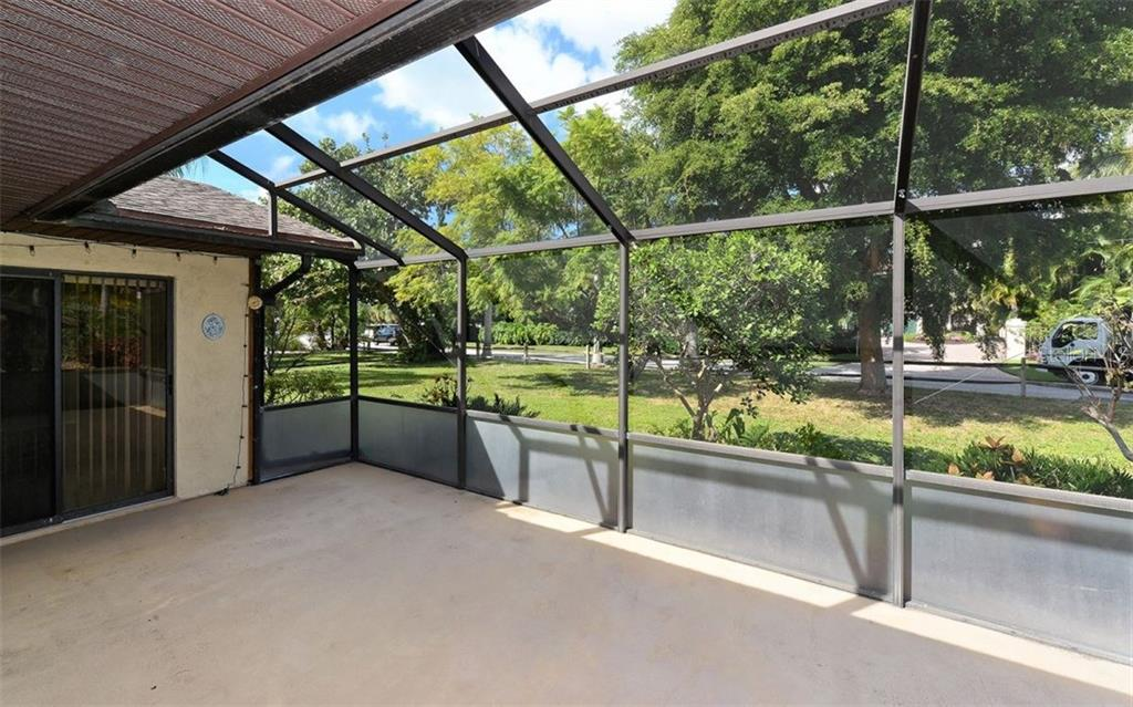 Screened in lanai - Single Family Home for sale at 744 Tyler Dr, Sarasota, FL 34236 - MLS Number is A4203232